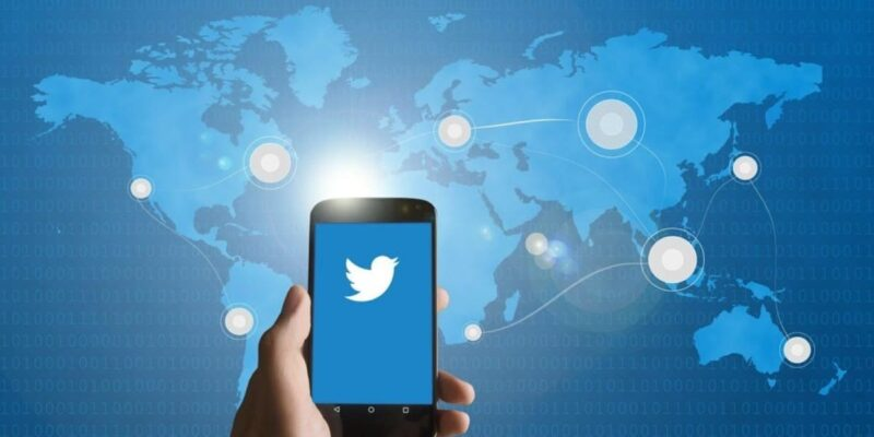 Using Twitter live stream to increase your reach to the audience